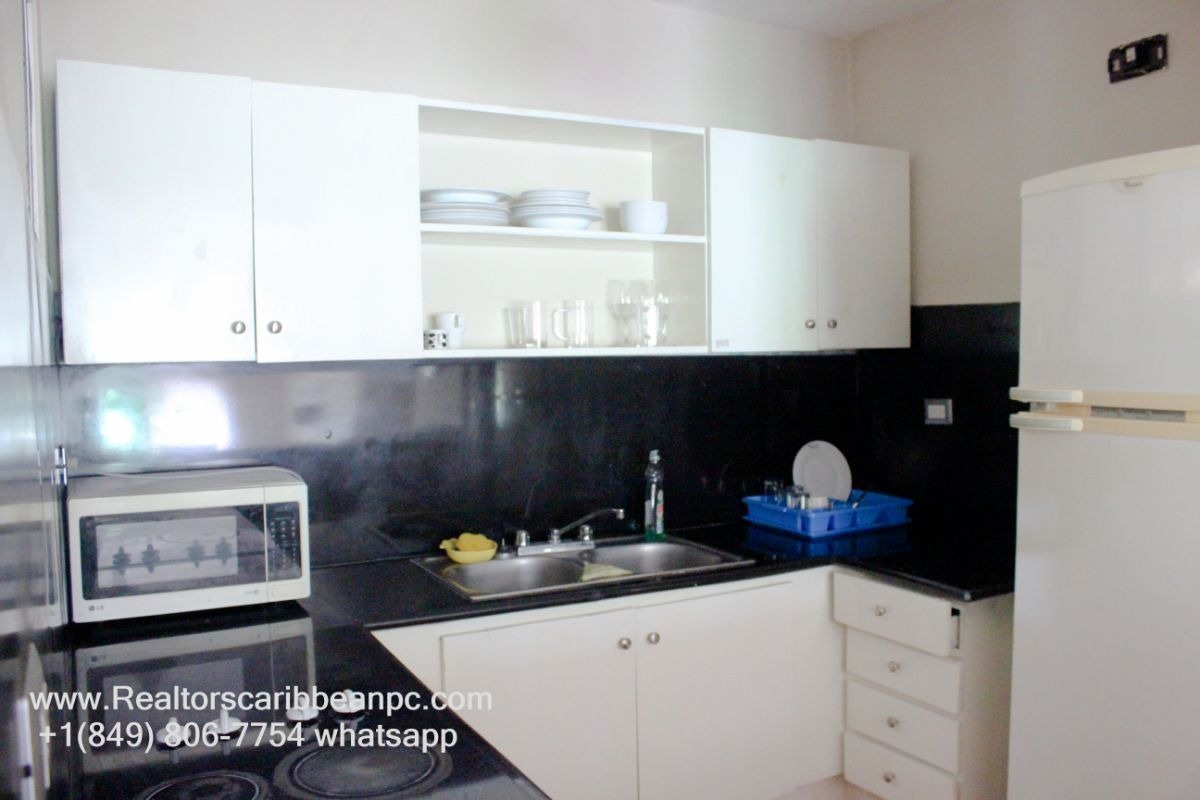 ¿$650.00 cocotal first floor  apartment  fully furnished 2 bedrooms  golf view