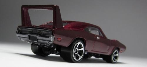 69 dodge charger daytona velozes e furiosos hot wheels 2013