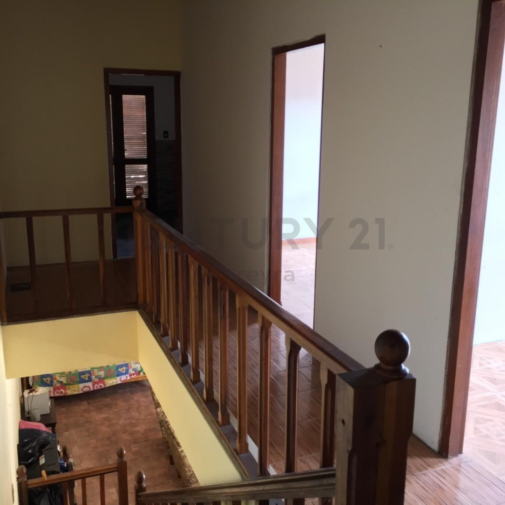 7 bis entre 475 y 476. casa de 4 dormitorios en venta, city bell