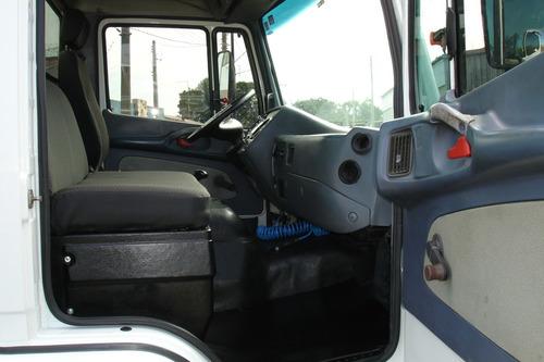 712 caminhão mercedes benz