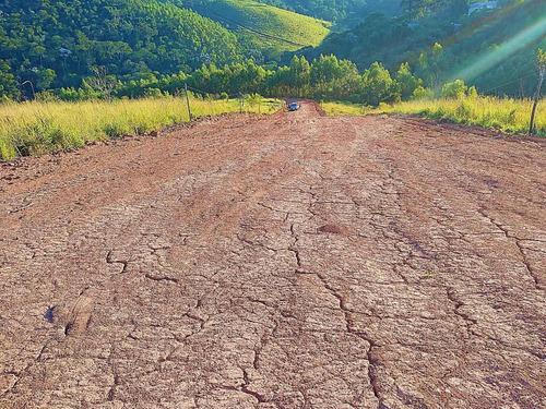 76 a - terreno a 2 km  da represa