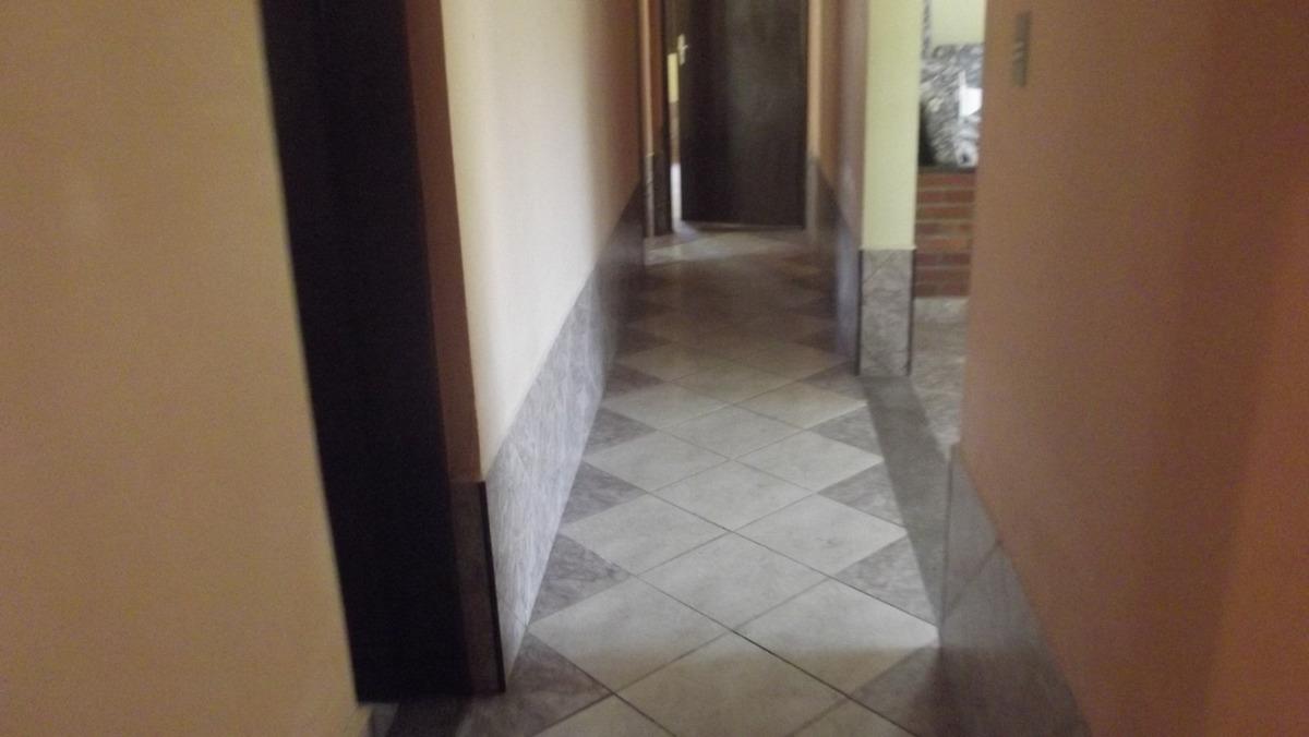 774- casa á venda com 4 dormitórios sendo 1 suite..