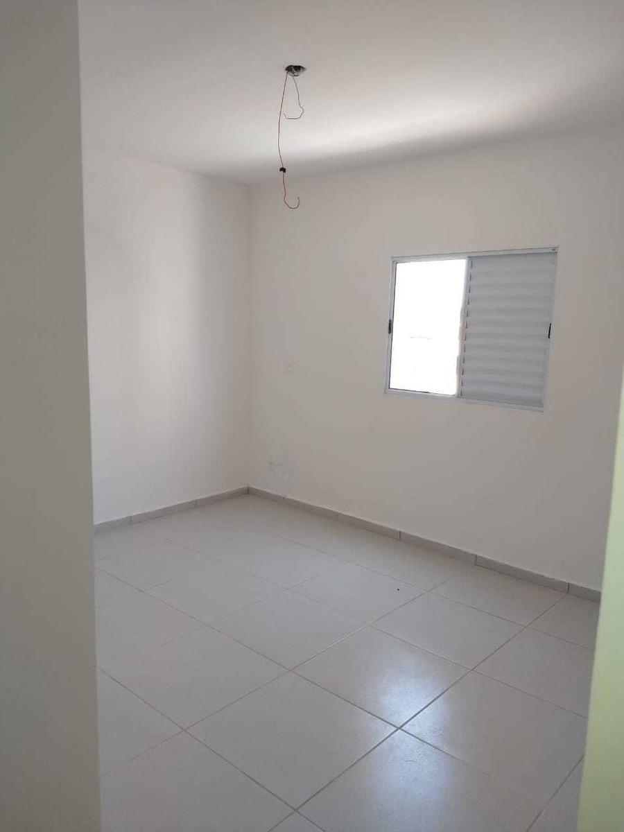 785- casa com 3 dormitório, 1 suite á 200 metros da praia.
