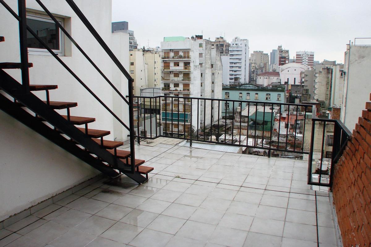 (8° frente) departamento 2 ambientes con balcón terraza y azotea