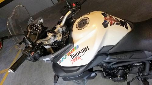 800 moto triumph tiger