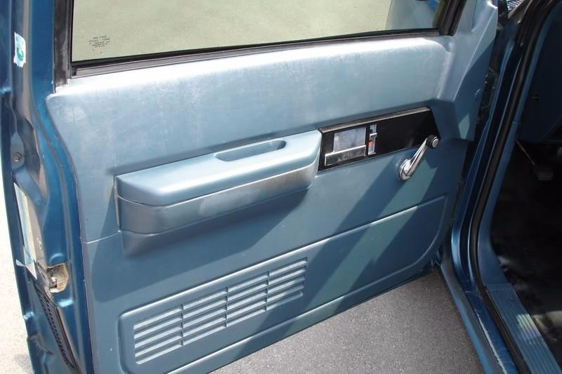 88 94 Chevrolet Silverado Bisel Manija Interior Manual Izq