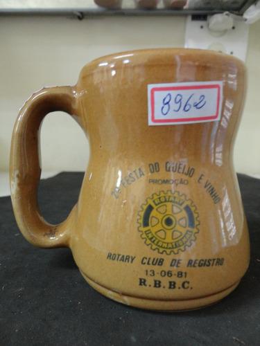 #8962# caneca porcelana rotary clube registro 1981!!!
