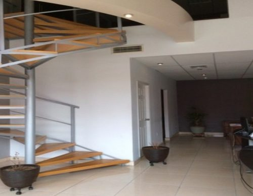 90 m2 plaza cumbres local renta $ 13,000 luagdir xh 070215 cb 070215