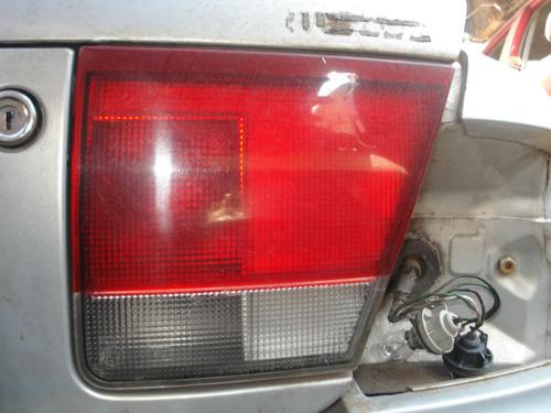Lanterna Da Tampa Lado Direito Mazda 626 1994/1997 Original