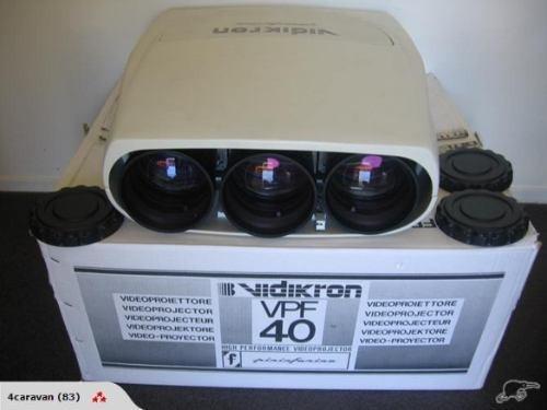 Proyector Tres Cañones Crt Vidikron Vpf40