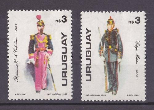 Dg- Uruguay 2 Sellos Uniformes Militares - 1983 - Mint