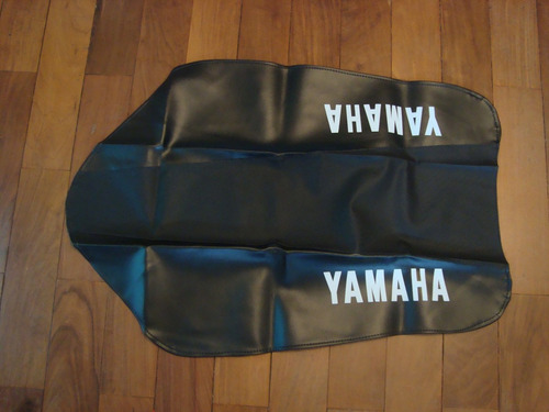 Capa De Banco Antiderrapante Yamaha Dt 180 N  Dt 180 Z Original