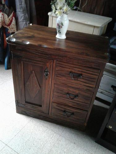 Mueble  Rustico Para Bacha De Baño Decorado Con Tachas