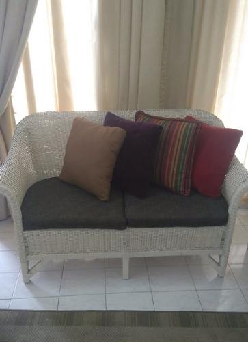 Mueble Sofa Rattan De Dos Puestos Totalmente Impecable