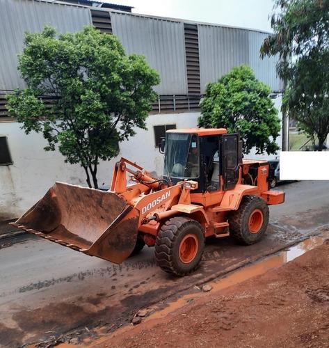 Pá Carregadeira Doosan 250v 2010 4x4