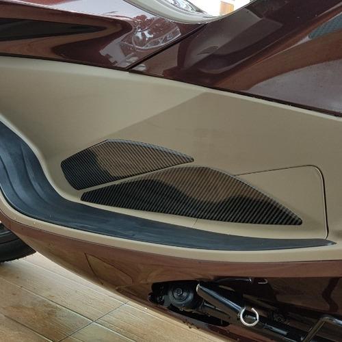 Protetor Relevo Carbon Carenagem Apoio Pé Moto Pcx 150