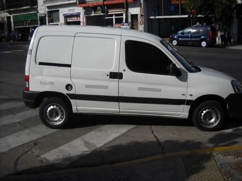 Peugeot Partner 2011  1.6 Hdi Furgon Confort  Blanca