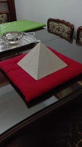 Piramide Terapeutica De Aluminio Puro.