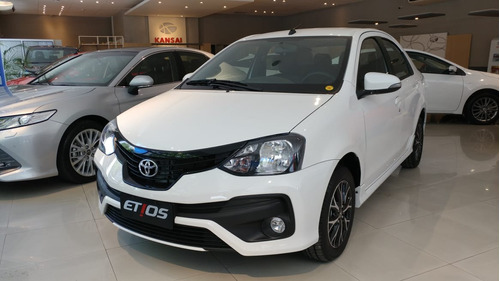 Toyota Etios C/gnc Xls 6mt 4p  C/garantía