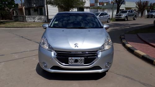 Peugeot 208 Allure Touchscreen 1.5 - 2014