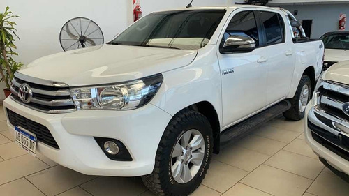 Toyota Hilux 2.8 Cd Srv 177cv 4x4 At 2017