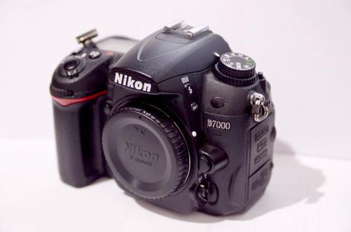 Nikon D7000 - Corpo