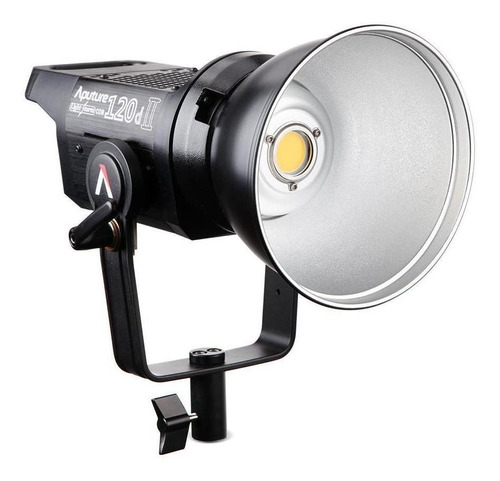 Aputure Light Storm Ls C120d Ii Cor Branca-fria 110v/220v