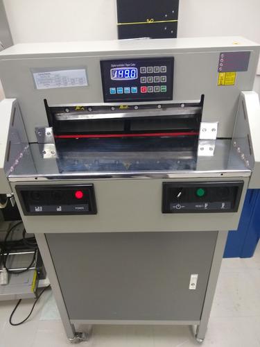 Guilhotina Elétrica Modelo Gpsg 480 (série 48 A).