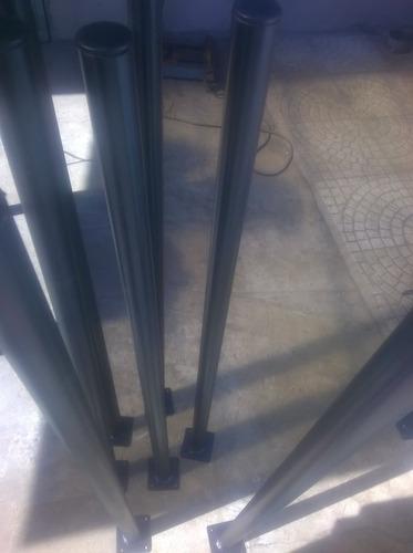 Postes De Caño Con Platina Perforada Frentes Hierro Madera