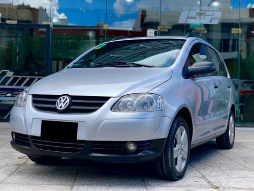 Volkswagen Suran 1.6 Trendline 11b 2010