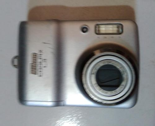 Camera Nikon Coolpix L4