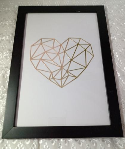 Quadro Coração Geométrico Dourado