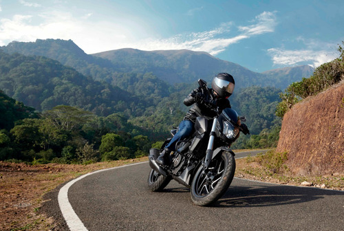 Bajaj Dominar 400 Tt Motos