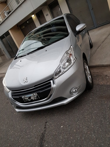 Peugeot 208 Allure Touchscreen 1.5  90cv | ¡2013!