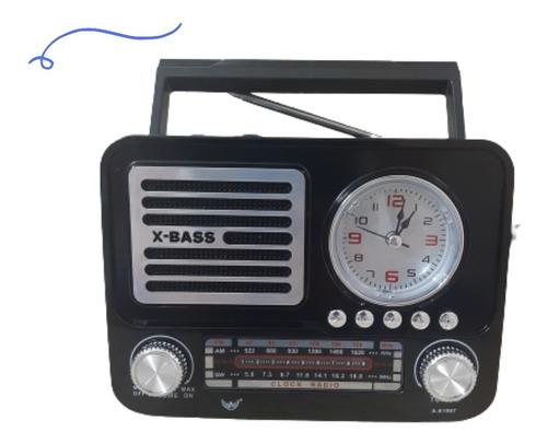 Rádio Relógio Retro Vintage Am Fm Usb Recarregavel E Pilha