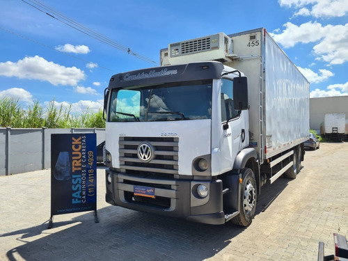 Vw 24250 6x2 Constellation Ano 2010 Bau Refrigerado 8,50mts
