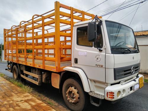 Mb 1719/15/16 4x2 Com Gaiola De Gás Com 6.5x2.23x2.56 M
