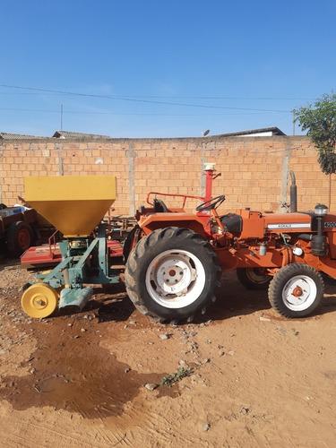 Trator Agrale 4200 Com Distribuidor De Calcário Adubo E Carr