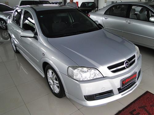 Marca: Chevrolet  Modelo: Astra Hatch