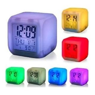 Reloj Cubo Despertador Luminoso 7 Colores Alarma Temperatura