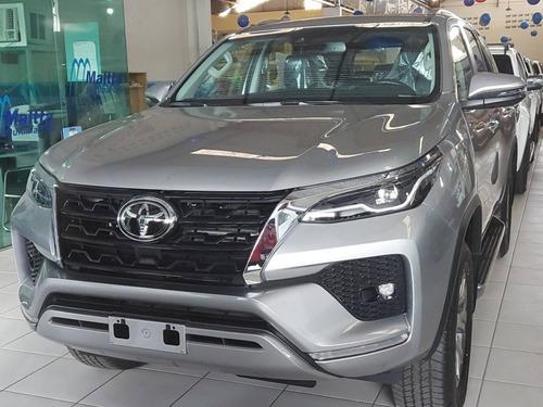 Toyota Hilux Sw4 2.8 D-4d Turbo Diesel Srx 7l 4x4