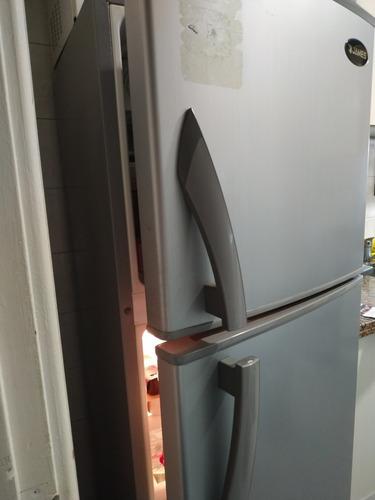 Heladera Con Freezer Frío Seco James