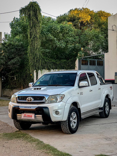 Toyota Hilux 3.0 Cd Srv Cuero I 171cv 4x4 2011