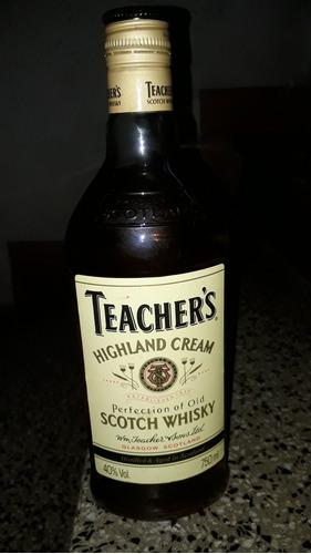Whisky Teachers Highland Cream