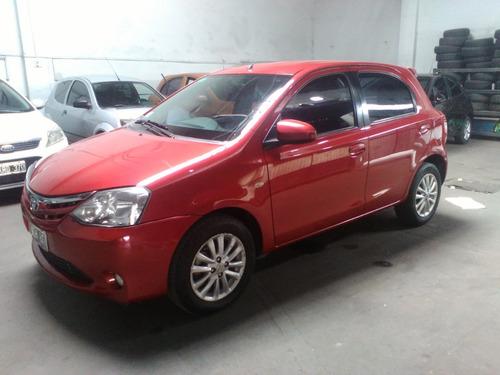 Toyota Etios 1.5 5p Xls 2013 - South Car