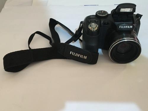 Câmera Fotográfica Fujifilm Finepix S1800 - Super Nova