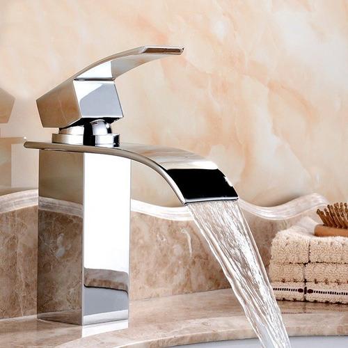 Torneira Cascata Banheiro Baixa Quadrada Monocomando