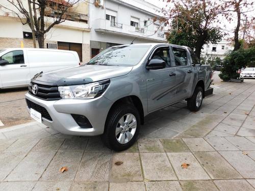 Toyota Hilux 4x2 D/c 2.4 Tdi 6 M/t