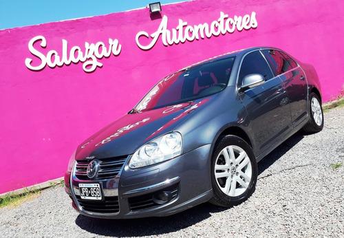 Volkswagen Vento Luxury 2.5. $235000 & Cuotas Fijas Con Dni!