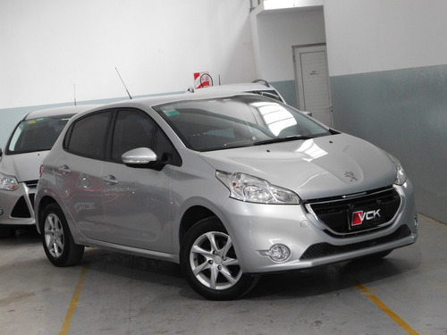 Peugeot 208 Allure Touchscreen 2015 C/68.000km Vck